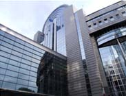 Europees Parlement kiest voor Luxasolar� glasfolie