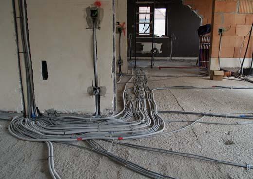 bekabeling voor de verlichting en stopcontacten
