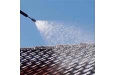 Laat deze zomer je dak reinig en voorkom lekken