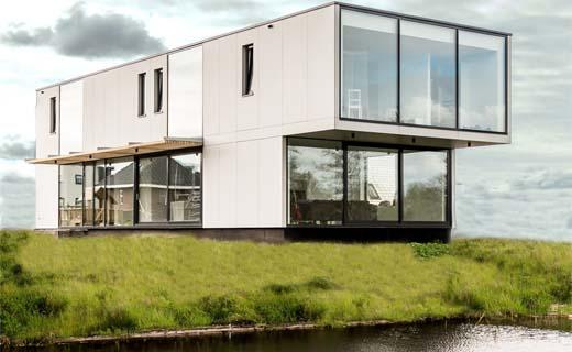 Strakke villa aan het water van Lautenbag Architectuur