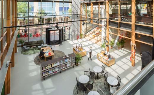 OBA Bijlmerplein: Thuishonk om te ontmoeten, lezen, leren en (samen)werken