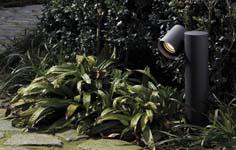 Adellijke lichtverrekijkers maken van tuin theaterschouwspel