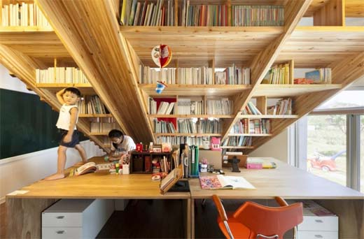 Een multifunctionele houten trap in je interieur bouwenwonen