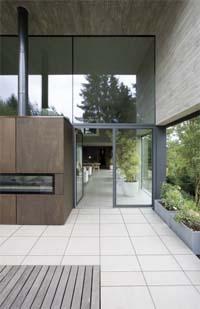 Stem je terras stijlvol af op je interieur met de outdoor collectie Mosa XT