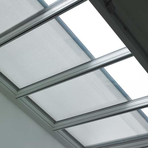 Renson Topfix VMS: Windvaste horizontale zonwering voor Velux Modular Skylights