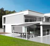 Nieuwe terrasoverkapping met zon- en waterwerend screendak