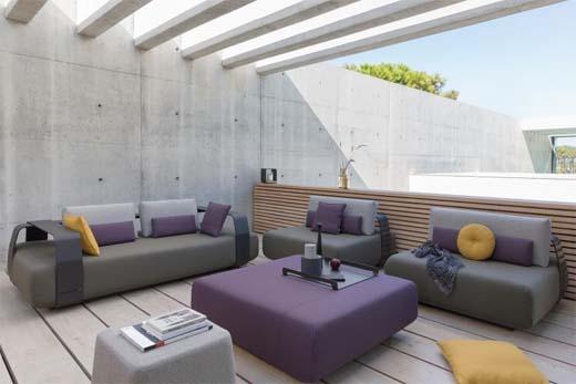 Manutti brengt een stijlvol ziteiland met modulair sofaconcept