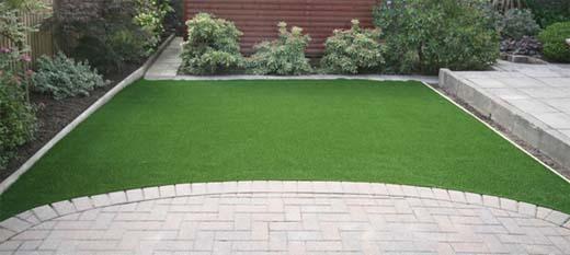 kunstgras en stoep: onderhoudsvrije tuin