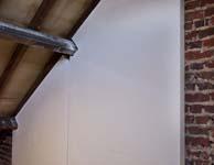 Hoe kan ik mijn wanden en plafond isoleren en meteen afwerken?