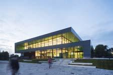 Topsportcentrum De Koog in Zaanstad opgeleverd