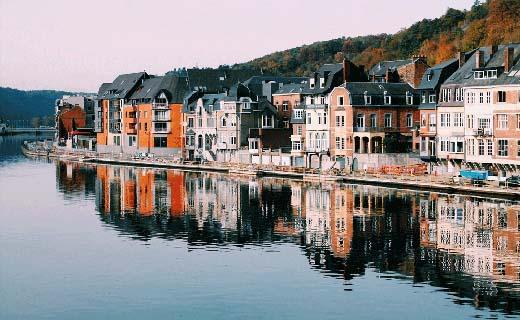 Een tweede verblijf in België
