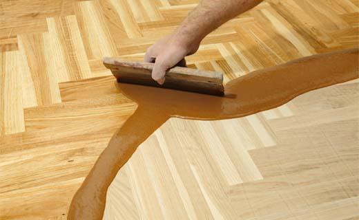 Hoe moeten houten vloeren onderhouden worden?