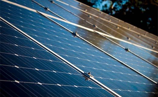 Dringend initiatief nodig om zonnepalen op sociale woningen mogelijk te maken