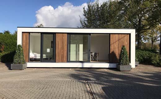 Russell Woods mikt met Tymber Buildings op compact wonen en werken