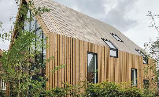 Geknikt houten woonhuis Amsterdam-Noord