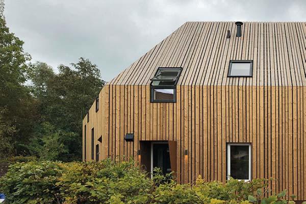 ORGA architect - Geknikt houten woonhuis Amsterdam-Noord