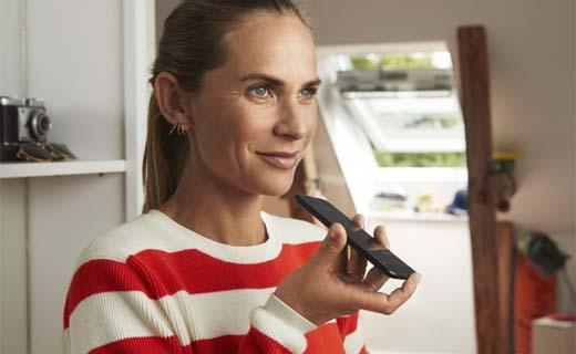 Dakramen bedienen met je stem of met één druk op de knop