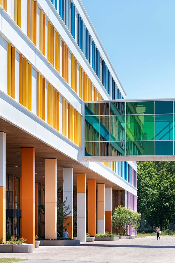 Verbindingsbrug Prinses Máxima Centrum wint World of Color Award 2018