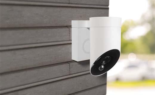 De-Somfy-Outdoor-Camera-beveiligt-en-schrikt-af-rondom-het-huis