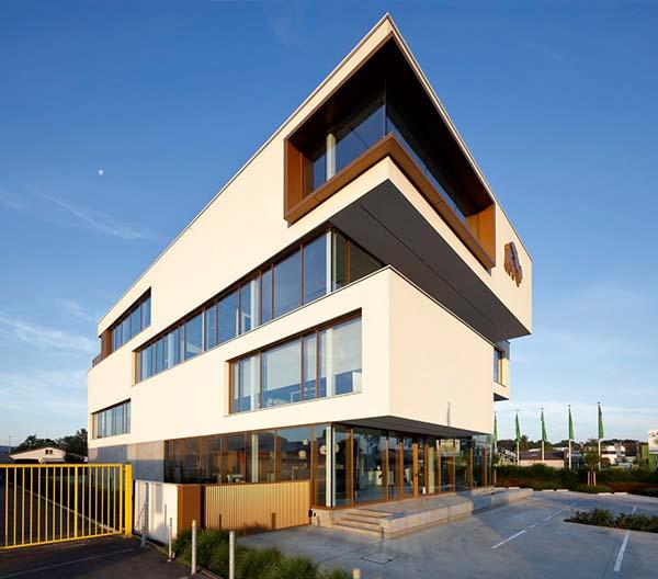 Bouw van het innovatiecentrum De grote beer in Beernem