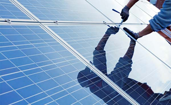 Prosumententarief voor zonnepanelen begin dit jaar verlaagd