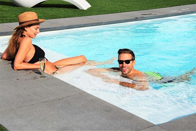 6 op 10 zwembadeigenaars koopt zwembad om gezinsbeleving te bevorderen