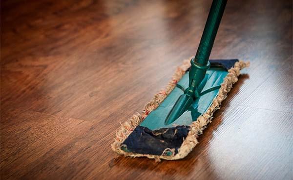 Onderhoud van een eiken vloer