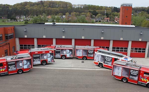 Brandweerwagens-als-reclameborden-voor-brandveiligheid