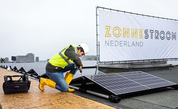 Zakelijke-zonnepanelen-voor-succesvolle-ondernemers