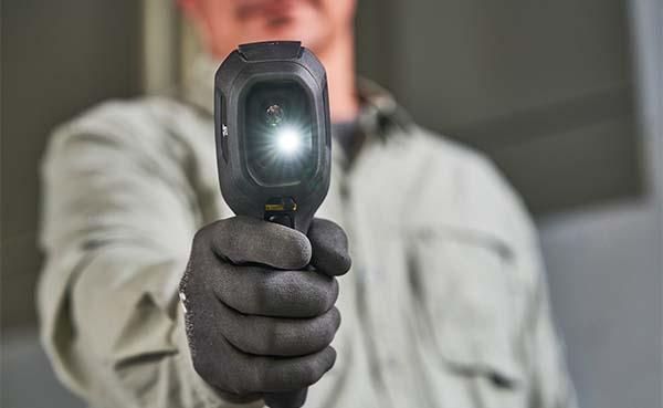 FLIR introduceert de TG267-warmtebeeldcamera voor elektriciens