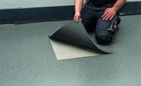 Snelle renovatie met verwijderbare losse vloerbedekking