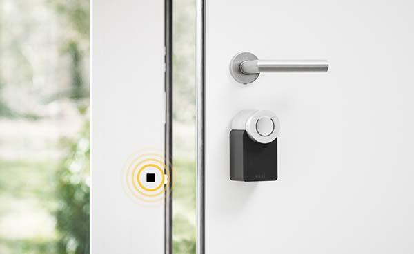 De deur openen zonder de deurklink vast te houden is mogelijk