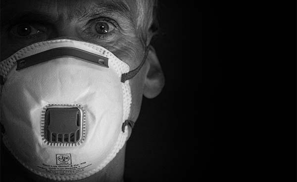 Mondmaskers kunnen veilig werken binnenshuis mogelijk maken