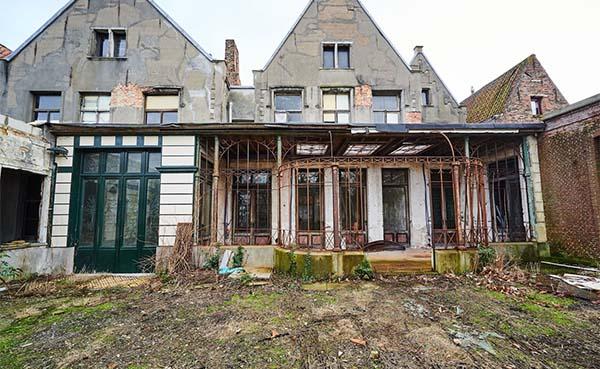 Eén op drie erfgoedgebouwen in Vlaanderen dreigt straks tegen de vlakte te gaan