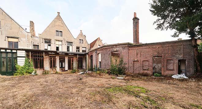 Eén op de drie erfgoedgebouwen in Vlaanderen dreigt straks tegen de vlakte te gaan
