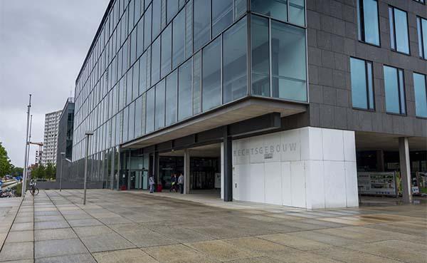 Regie der Gebouwen plaatst permanente scanstraat in gerechtsgebouw Gent