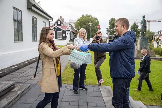 Energieplatform Bolt geeft 1000 garanties van oorsprong terug aan IJslandse premier
