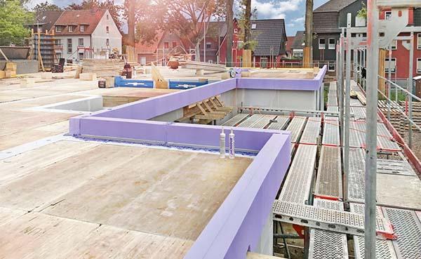 Nieuwe randbekisting voor een uitzonderlijke isolatie van betonvloeren