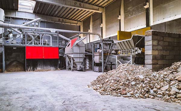 Replic recycleert gips in uniek gipsrecyclagecentrum