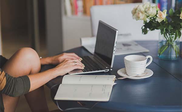 Richt je thuiswerkplek modern in met deze tips