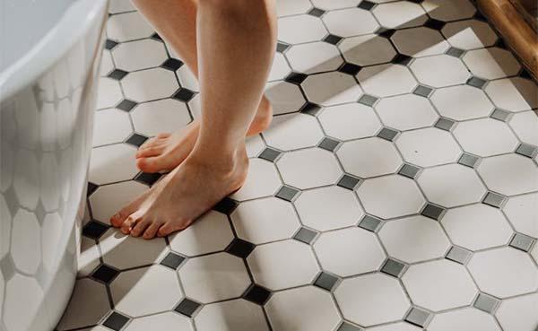 De voor- en nadelen van een keramische tegelvloer