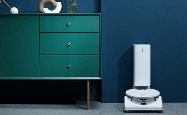 AI-aangedreven robotstofzuiger en was-droogcombinatie automatiseren huishouden
