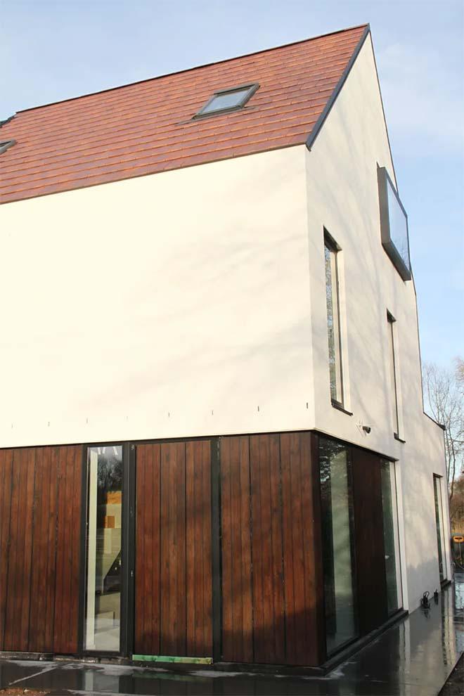 Ecopuur - Eerste Belgische woning met esthetische gevelbekleding van zonnecellen