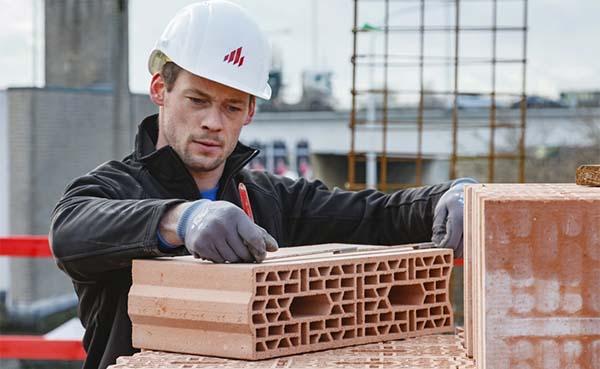 Wienerberger stelt oplossingen voor dak- en gevelrenovatie en grondverharding voor