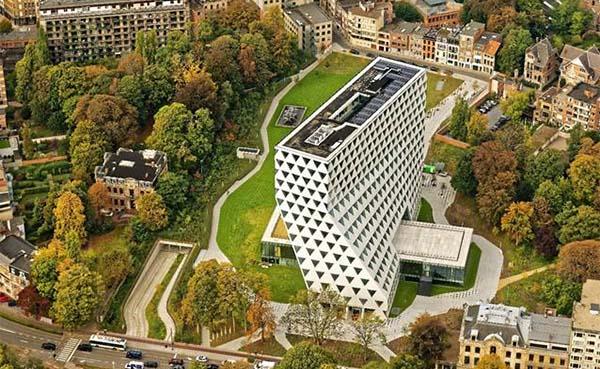 Energieverbruik-provinciehuis-Antwerpen-daalt-spectaculair