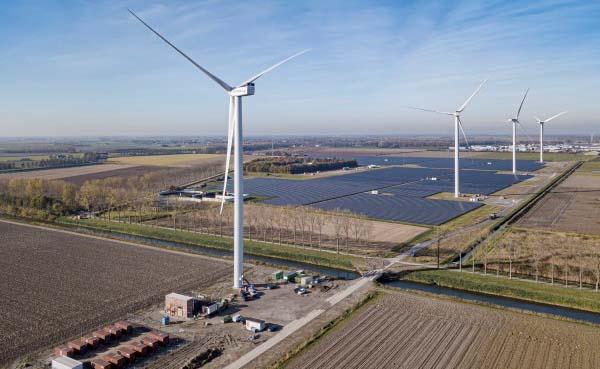 TNO start onderzoek naar effect van schaduw door windturbines op zonneparken