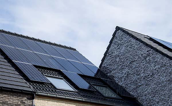 Waar moet je op letten bij het aanschaffen van zonnepanelen?