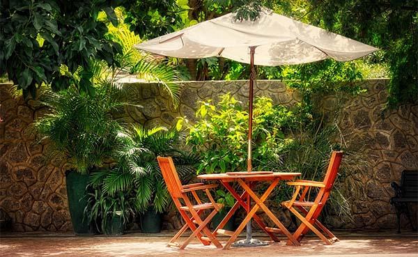 Welke-parasol-is-het-beste-geschikt-voor-jouw-tuin-of-balkon