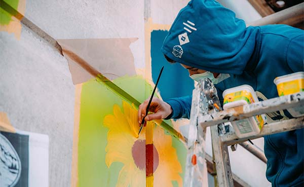 Scoutslokaal-Vilvoorde-verfraaid-met-prachtige-street-art-afbeelding