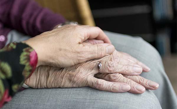 Bouw niet nog meer verpleeghuizen, kies voor andere woonvormen